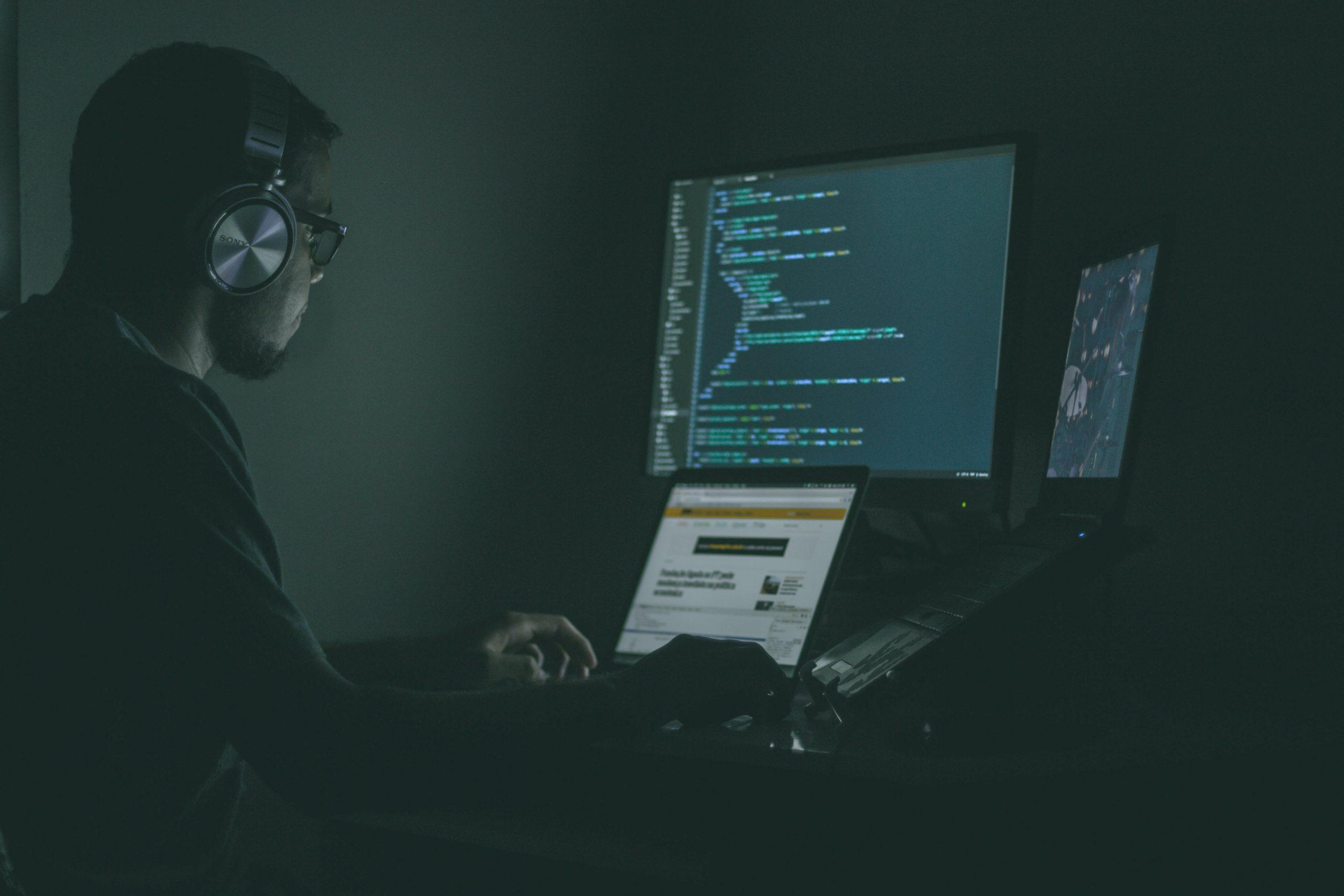 Desenvolver ou comprar IA: três critérios para decidir