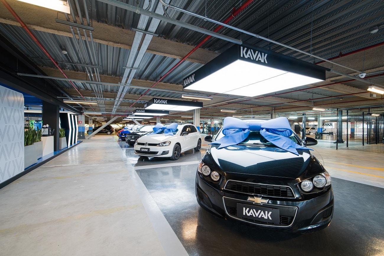 Startups apostam no aquecido mercado de carros usados